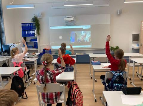 Eesti Noorsooteater ootab virtuaalkohtumistele