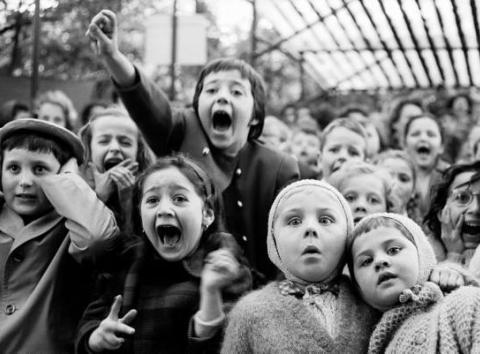 Algas laste- ja noortenäidendite võistlus